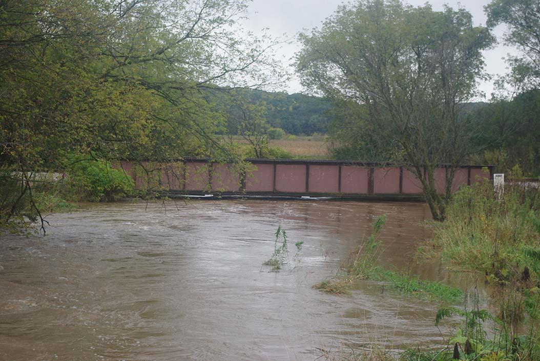 Black Earth, railroad bridge over Black Earth Creek.